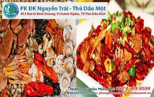 Các thực phẩm có tính cay nóng và đồ hải sản