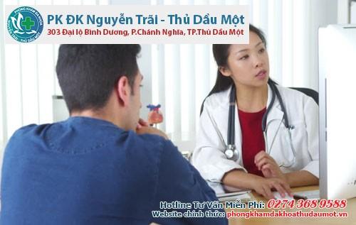 Bác sĩ sẽ tư vấn cho bệnh nhân cách thực hiện phẫu thuật