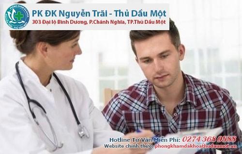 Nếu bị tiểu ra máu nên đến gặp bác sĩ chuyên khoa
