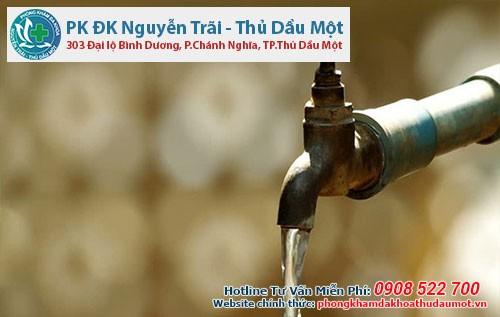 Cần làm gì khi bị dị ứng với nước máy