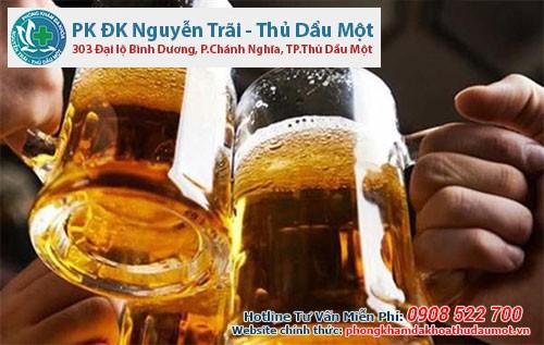 Cách khắc phục bệnh nổi mề đay do uống rượu bia